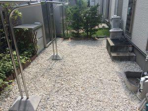 名古屋 砂利敷き
