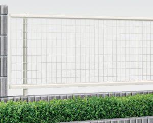 フェンス おしゃれ 安い ykk 名古屋 守山 春日井 愛知 新築 外構 見積り 相談 多段 傾斜地 シンプレオフェンス M2型