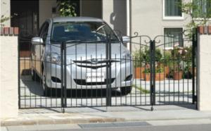 名古屋 折り扉 車庫ゲート 安い 門扉 鋳物 新築 外構 安い 見積り 名古屋 相談 施工例